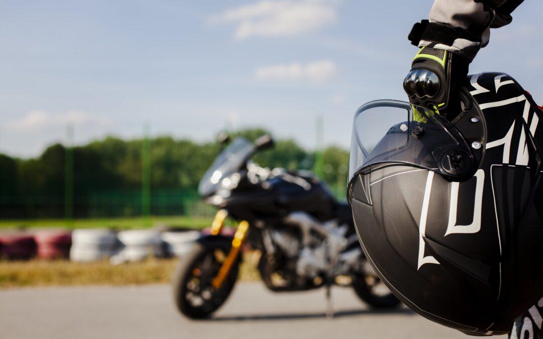 Cómo cambiar la titularidad de una moto en Móstoles